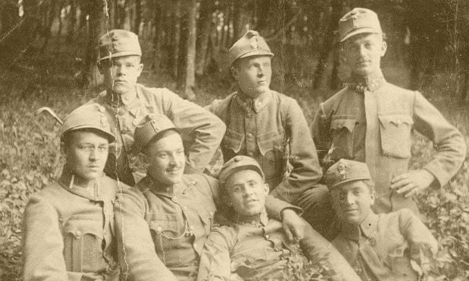 Salvează-ți camarazii! | Muzeul de Istorie image