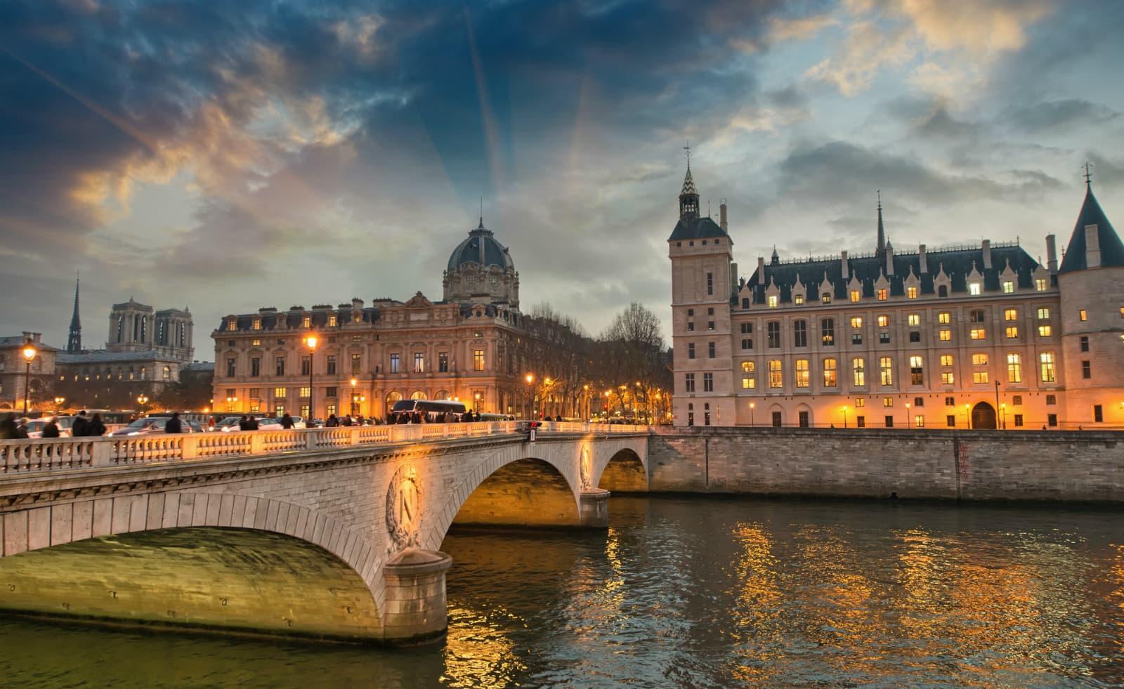 Haunted Paris: Mona Lisa's Murder image