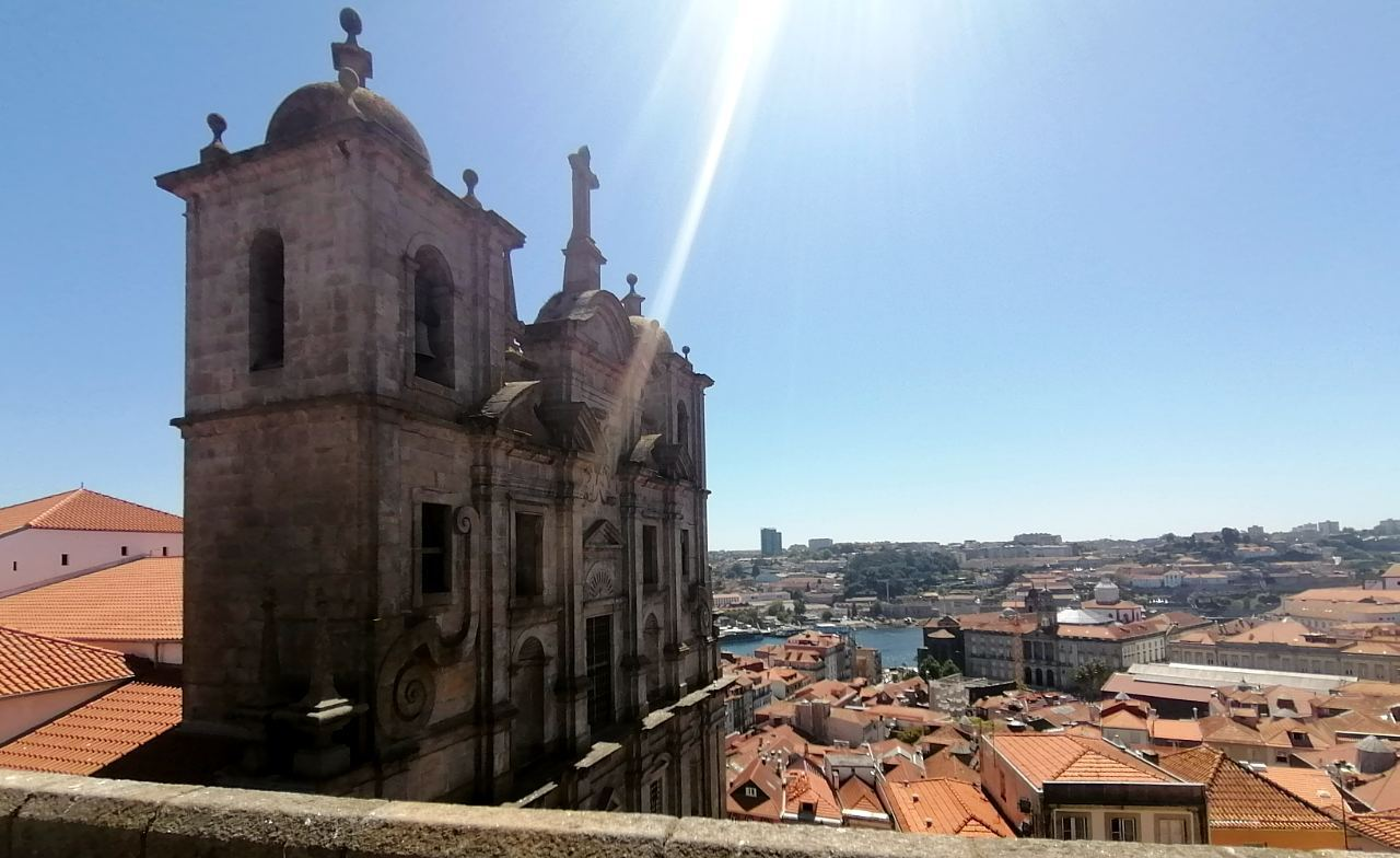 Porto's Old Town image