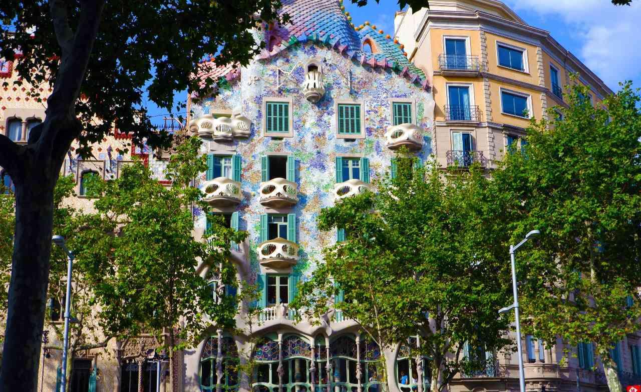 Gaudi's Barcelona Masterpieces image