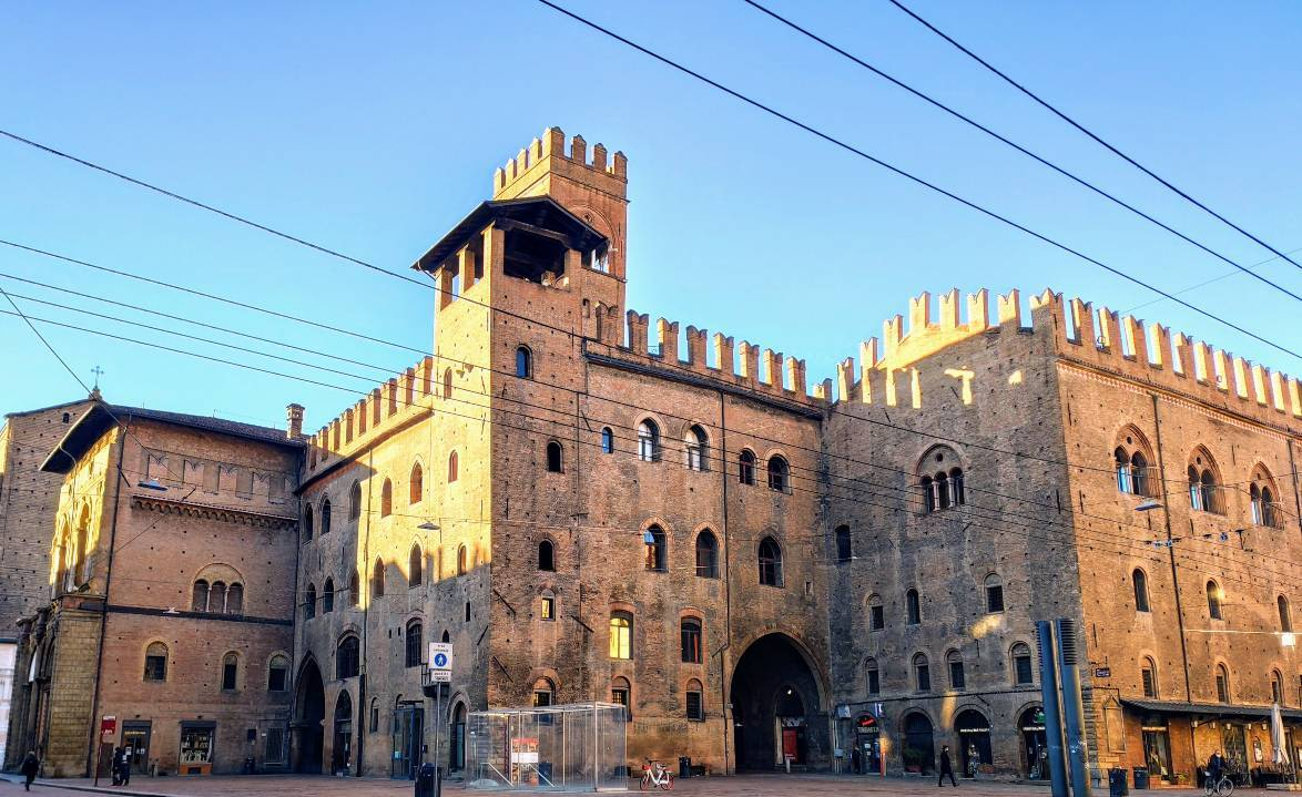Murder Mystery in Old Town Bologna image