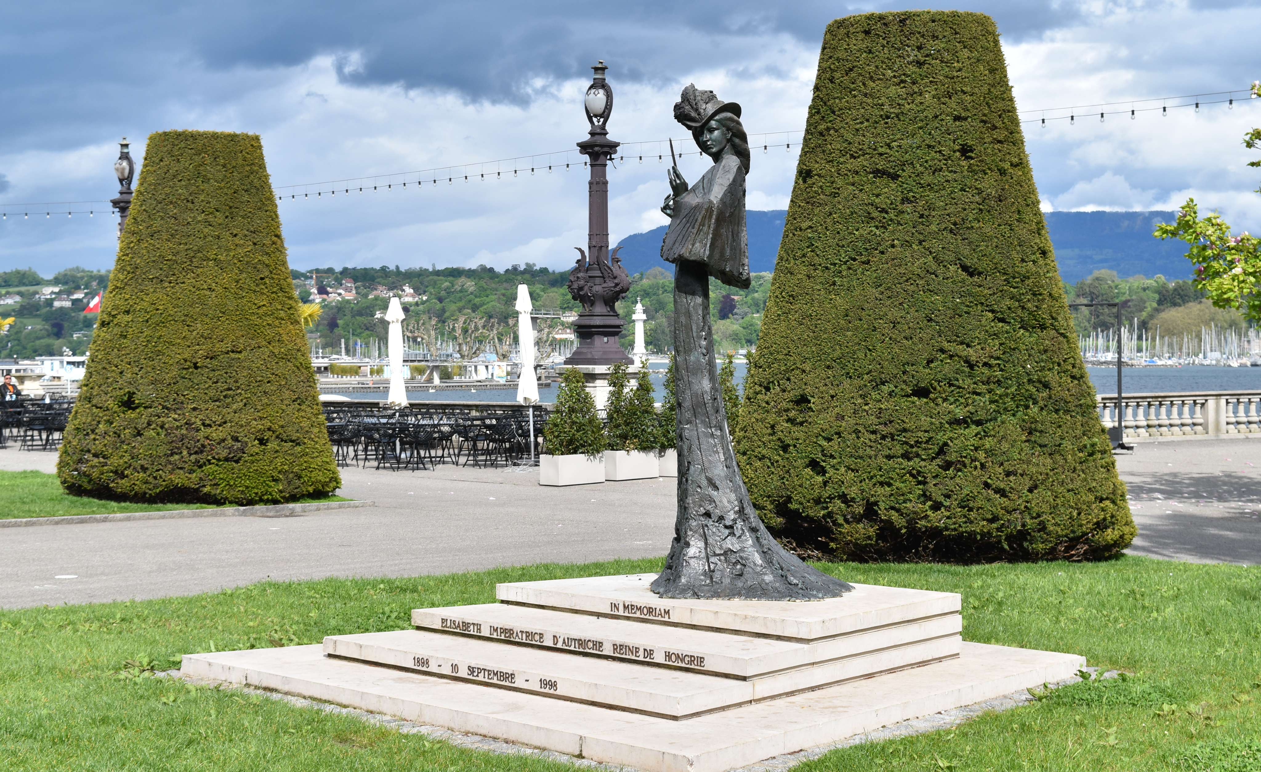 Dark History of Geneva (QUEST IN TEST MODE) image